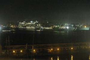 sanjuancruiseportsatnight