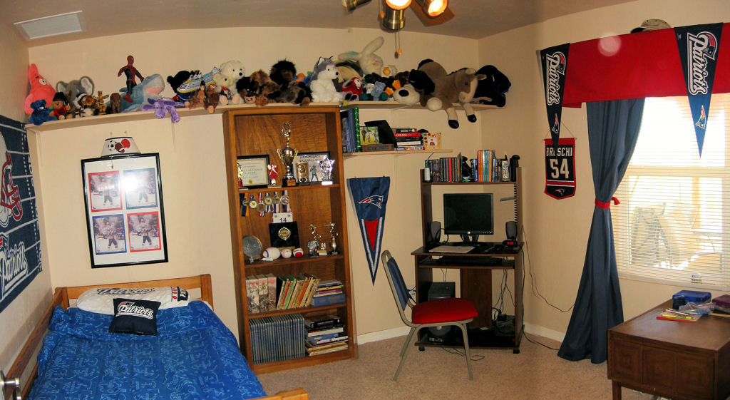 Seans Patriots Themed Bedroom Photos